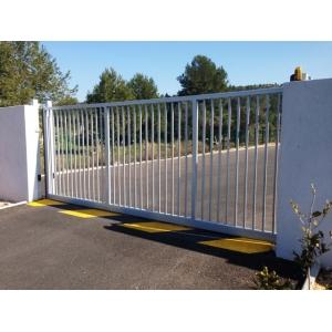 Portail coulissant industriel s rie lourde portes de for Portail coulissant de garage
